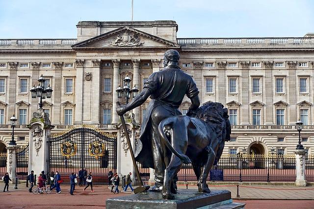 Buckingham Palace: storia, cambio della guardia e curiosità