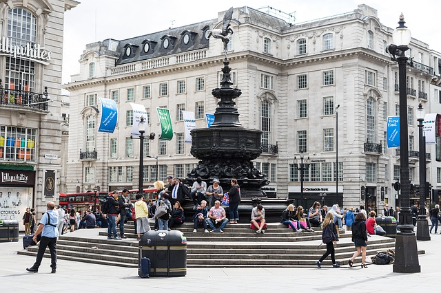 Piccadilly Circus: l'incrocio simbolo di Londra | The Italian Community