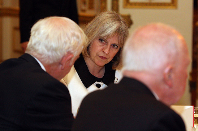 Theresa May - Photo by Foreign and Commonwealt on Flickr - Licenza Creative Commons a momento dell'utilizzo