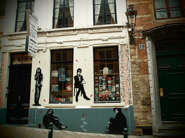 Londra, passeggiata tra le icone del rock: their mortal remains | The Italian Community