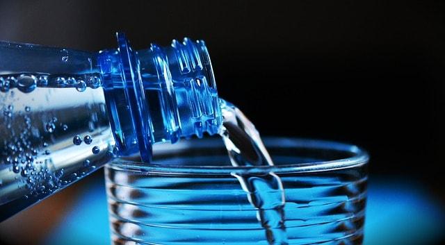 l'acqua italiana in bottiglia estero
