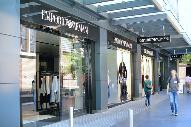 Italian women fashion brands Armani