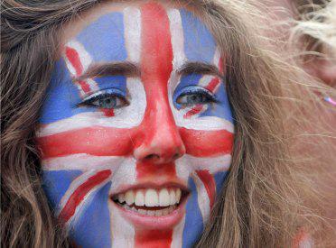 Londra: David Cameron vuole adottare misure per frenare l'immigrazione in UK. Non esclude anche di uscire dalla UE