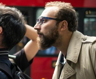 Storie di italiani in UK. Luca Vullo, autore di INFLUX, il documentario sugli italiani espatriati in UK