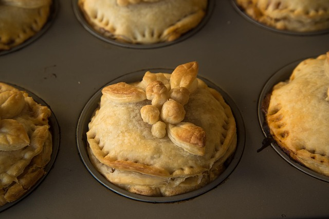 Artichokes pie with melted heart