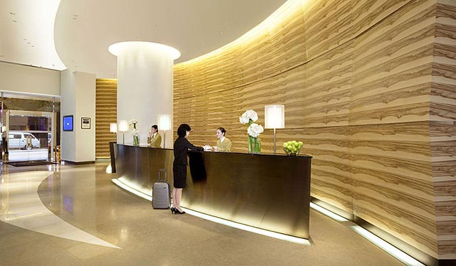 Receptionist d'albergo o receptionist aziendale? | The Italian Community
