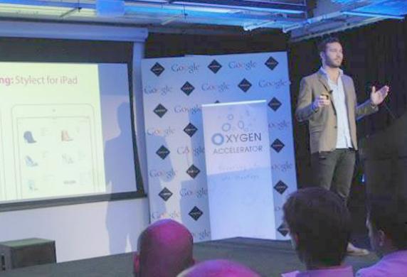 Storie di italiani in UK. Londra, capitale europea delle startup, per sviluppare la sua app di scarpe per donna, un giovane italiano riceve 500mila dollari: un successo!