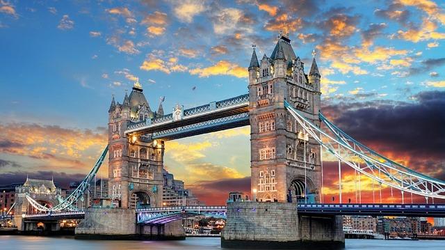 Tower Bridge: la sua storia, come visitarlo ed alcune curiosità