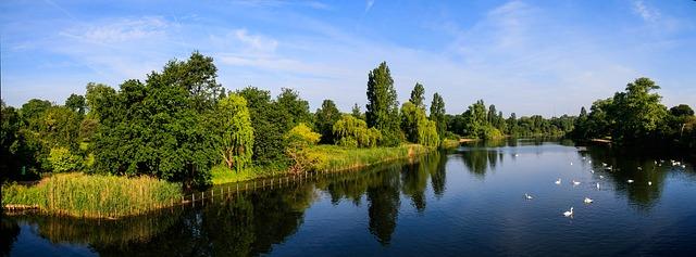 Serpentina Lake Hyde Park