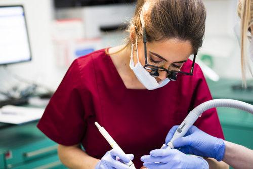 Nina Bal | Dentista italiano